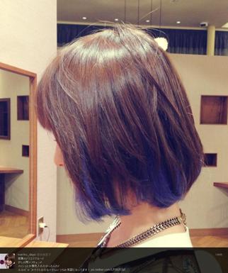 筱田麻里子大胆换图片尝试蓝色挑染偏分齐耳卷发短发发型图片